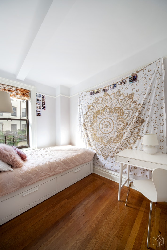 40 WEST 77TH STREET 3A, Upper West Side, $1,795,000, Web #: 19141223