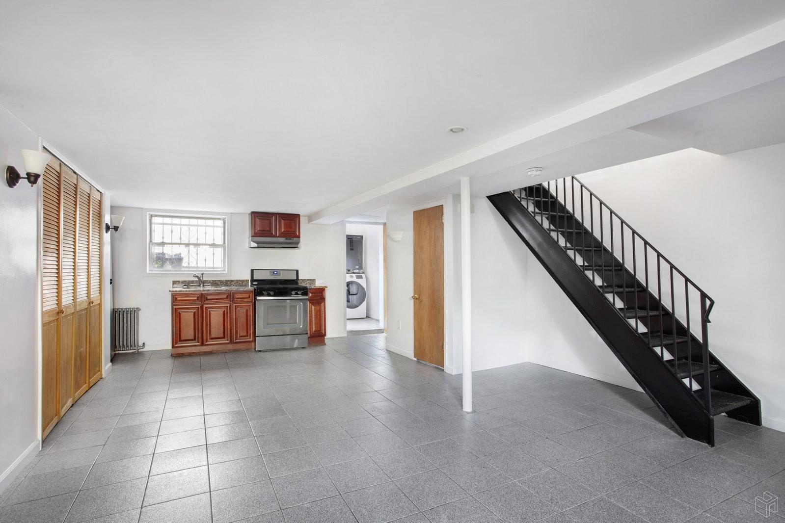 239 LEONARD STREET GARDEN, Williamsburg, $3,250, Web #: 19168905