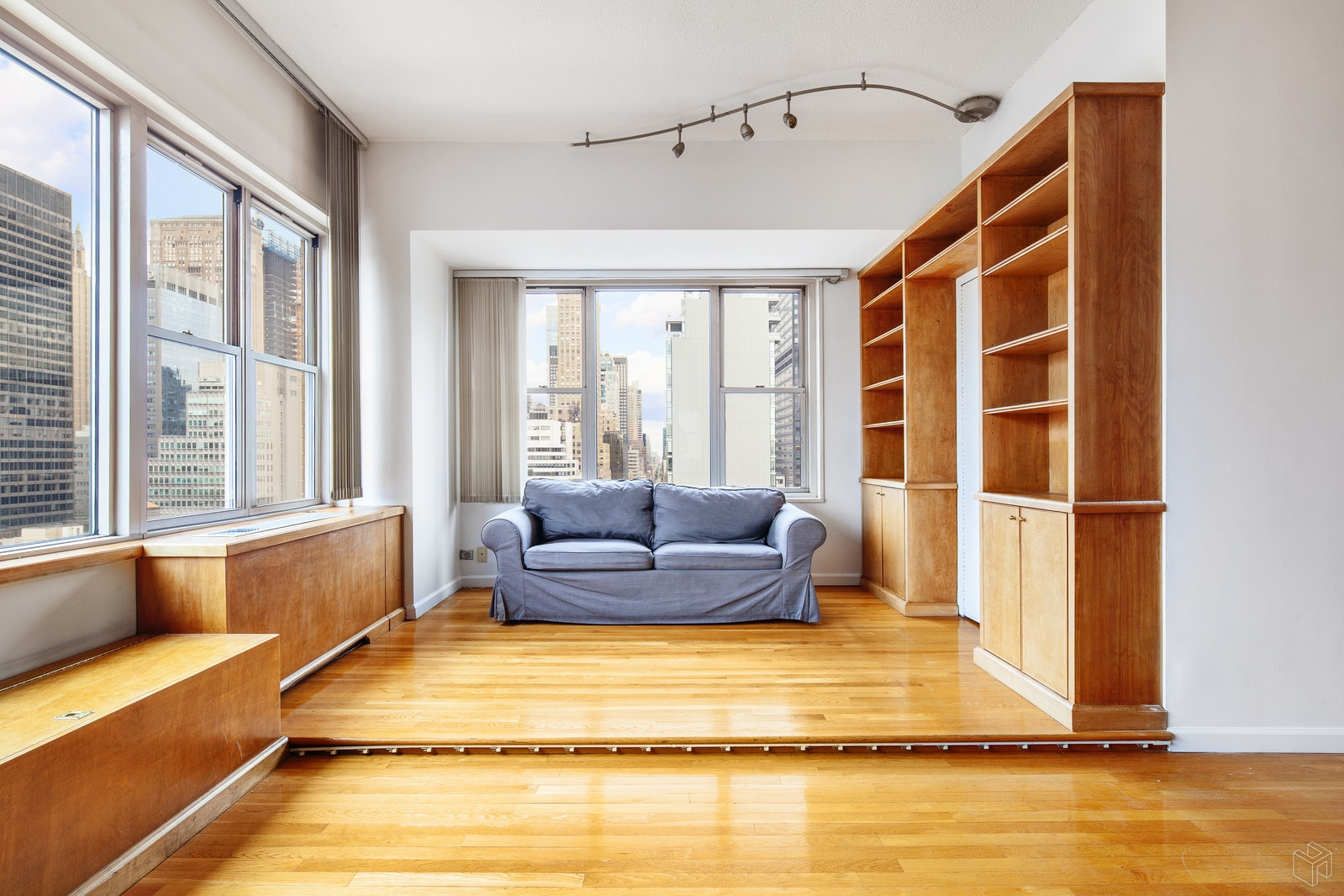 137 EAST 36TH STREET 26G, Murray Hill Kips Bay, $950,000, Web #: 19169213