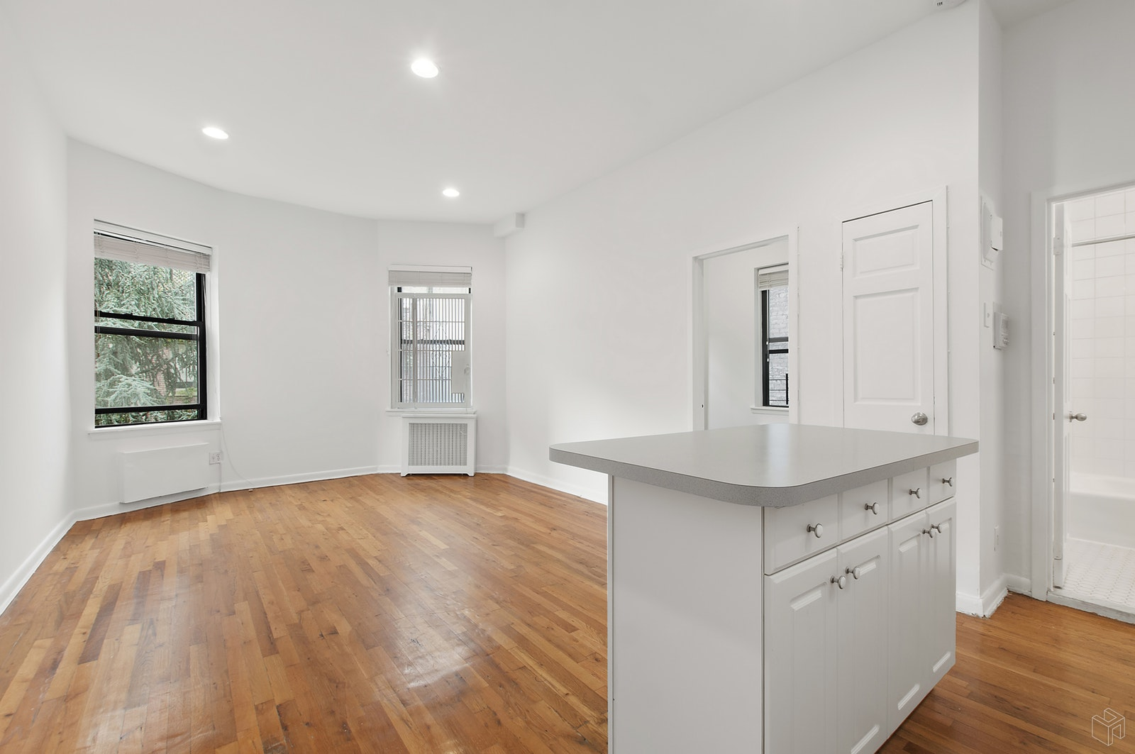 330 WEST 85TH STREET 4D, Upper West Side, $2,695, Web #: 19192426