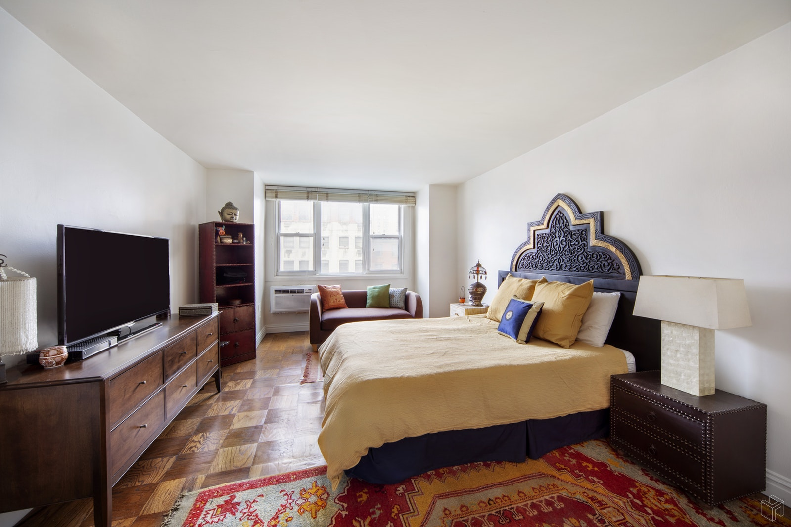 77 SEVENTH AVENUE, Chelsea, $3,900, Web #: 19212937