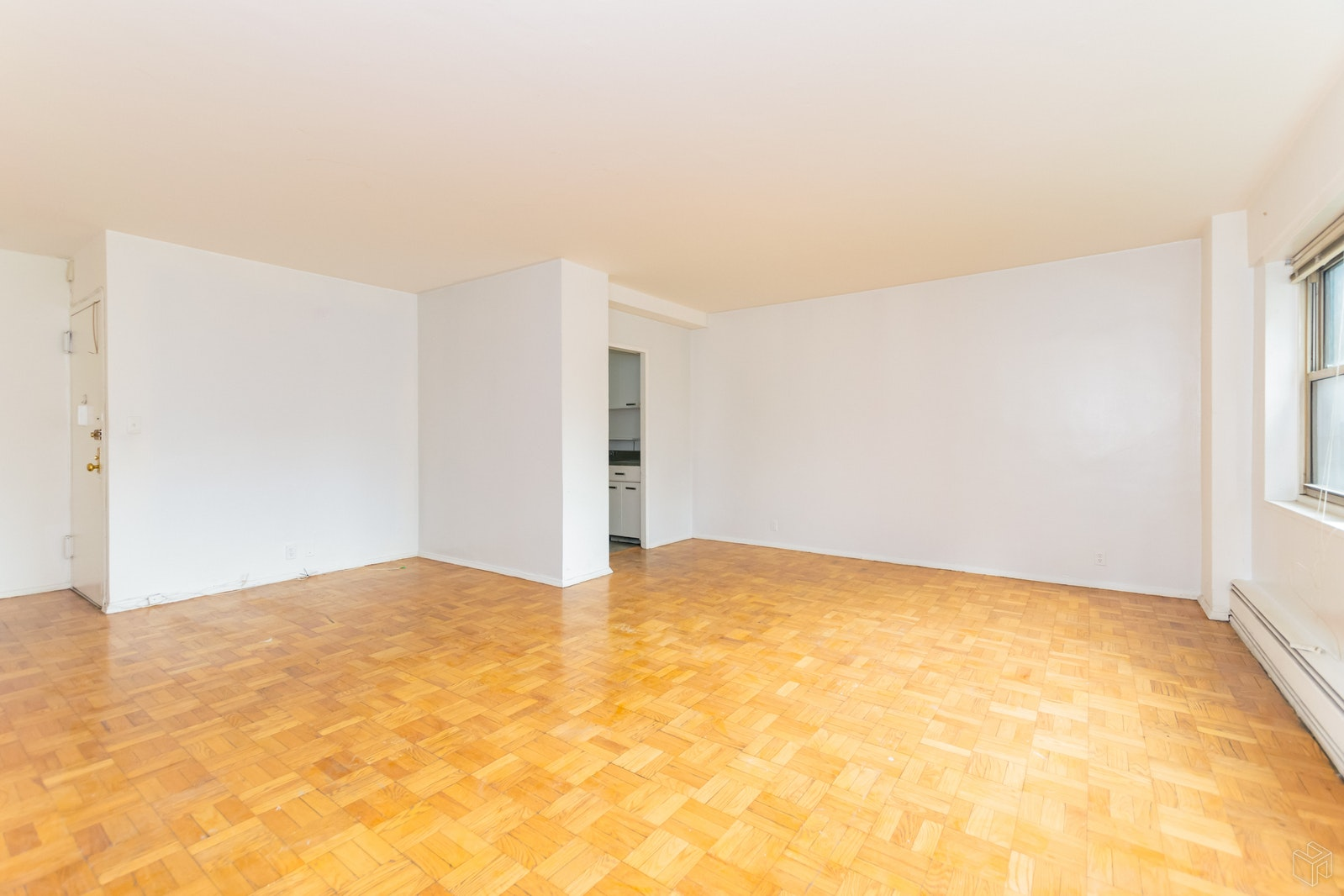 5 FORDHAM HILL OVAL 5E, University Heights, $1,550, Web #: 19231173