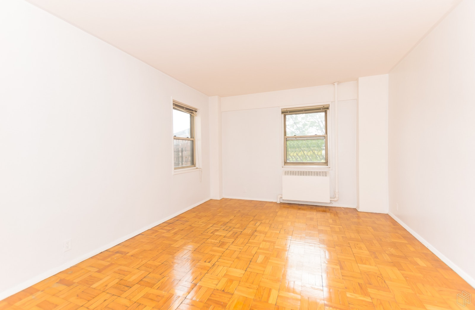 5 FORDHAM HILL OVAL 9D, University Heights, $1,550, Web #: 19231181