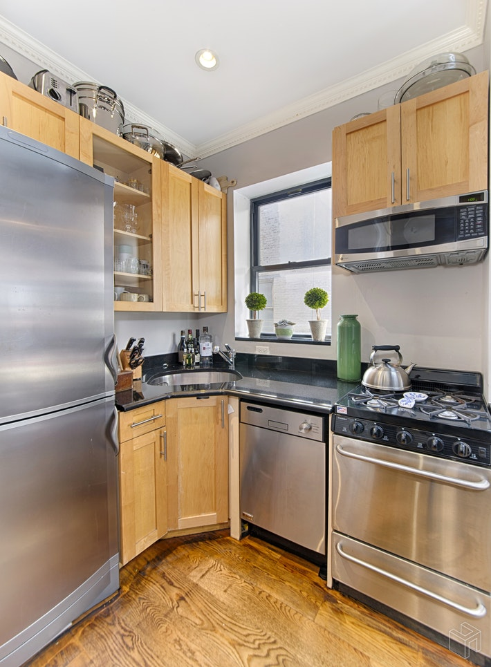 290 WEST 12TH STREET 6A, West Village, $6,095, Web #: 19284340