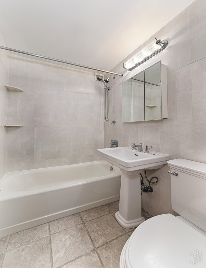 235 WEST 70TH STREET 2C, Upper West Side, $599,000, Web #: 19290487