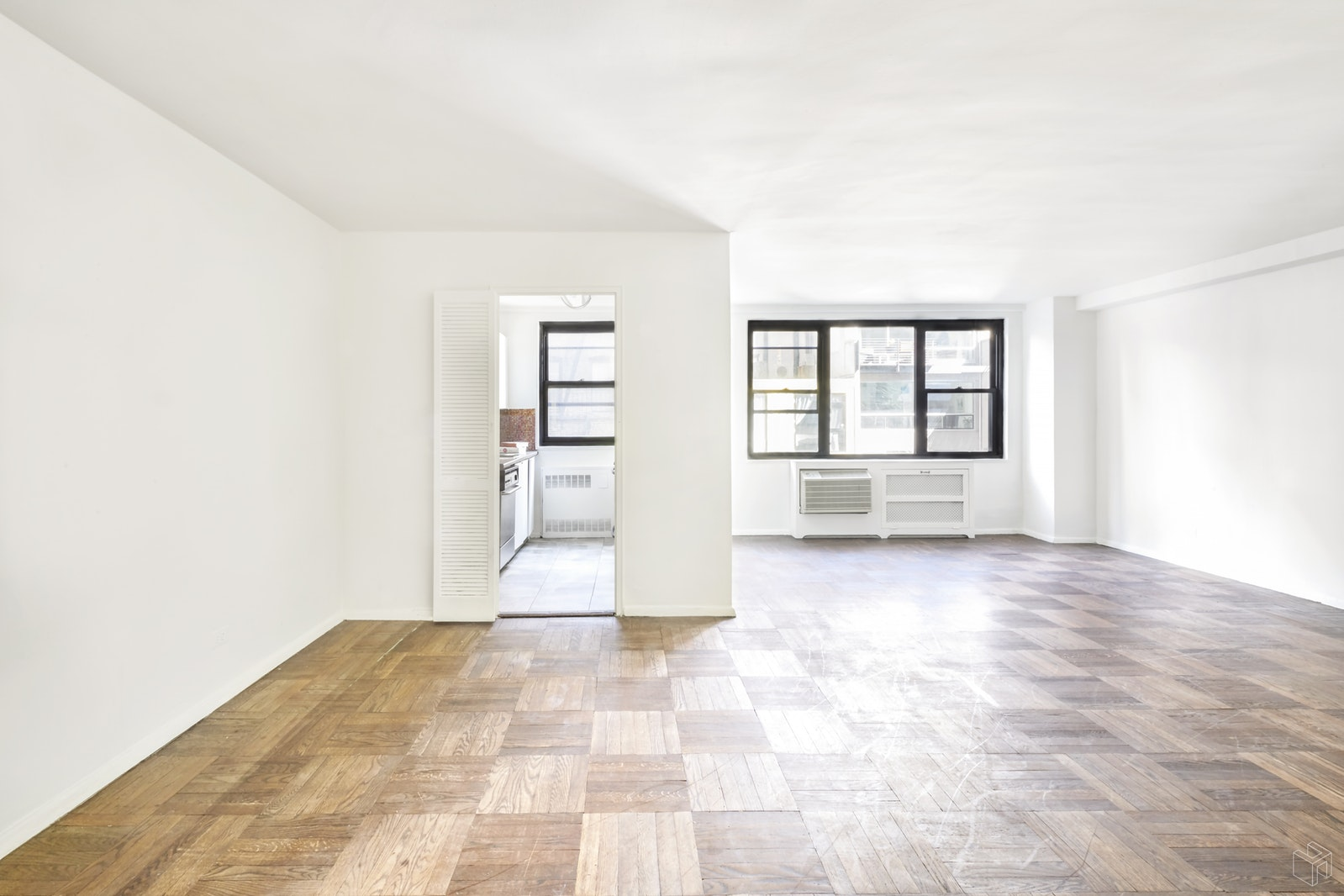 235 EAST 57TH STREET, Midtown East, $1,050,000, Web #: 19290718