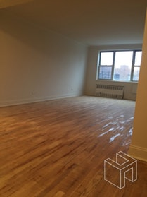 SPACIOUS 3 BR IN CENTRAL RIVERDALE