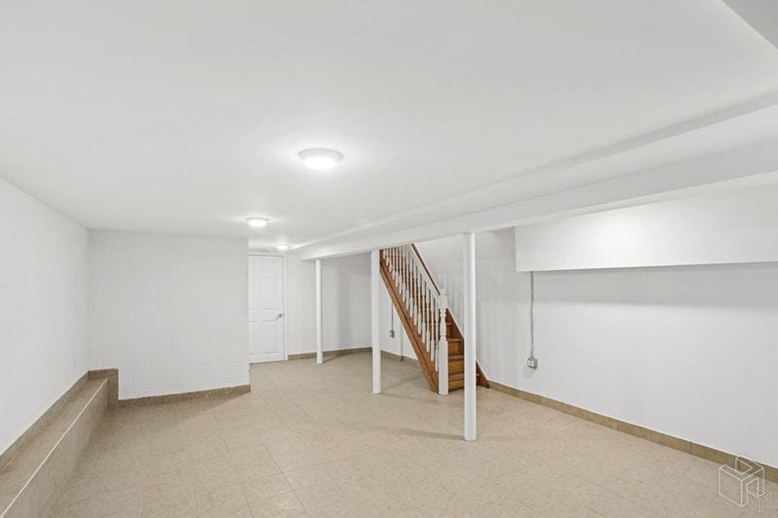372 11TH STREET GARDEN, Park Slope, $3,300, Web #: 19332063