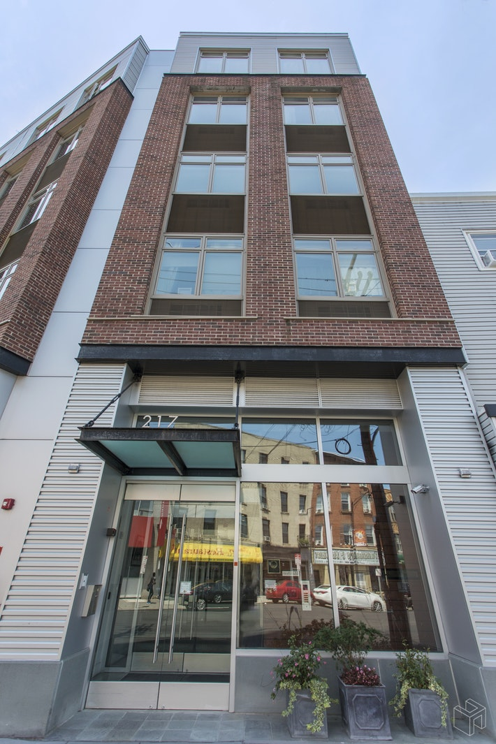 217 NEWARK AVE 206, Jersey City Downtown, $529,000, Web #: 19362846