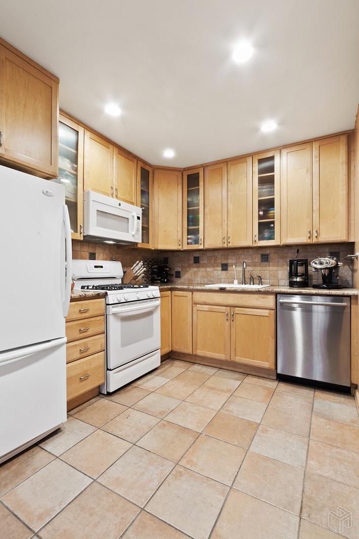 426 13TH STREET 1E, Park Slope, $1,275,000, Web #: 19384259
