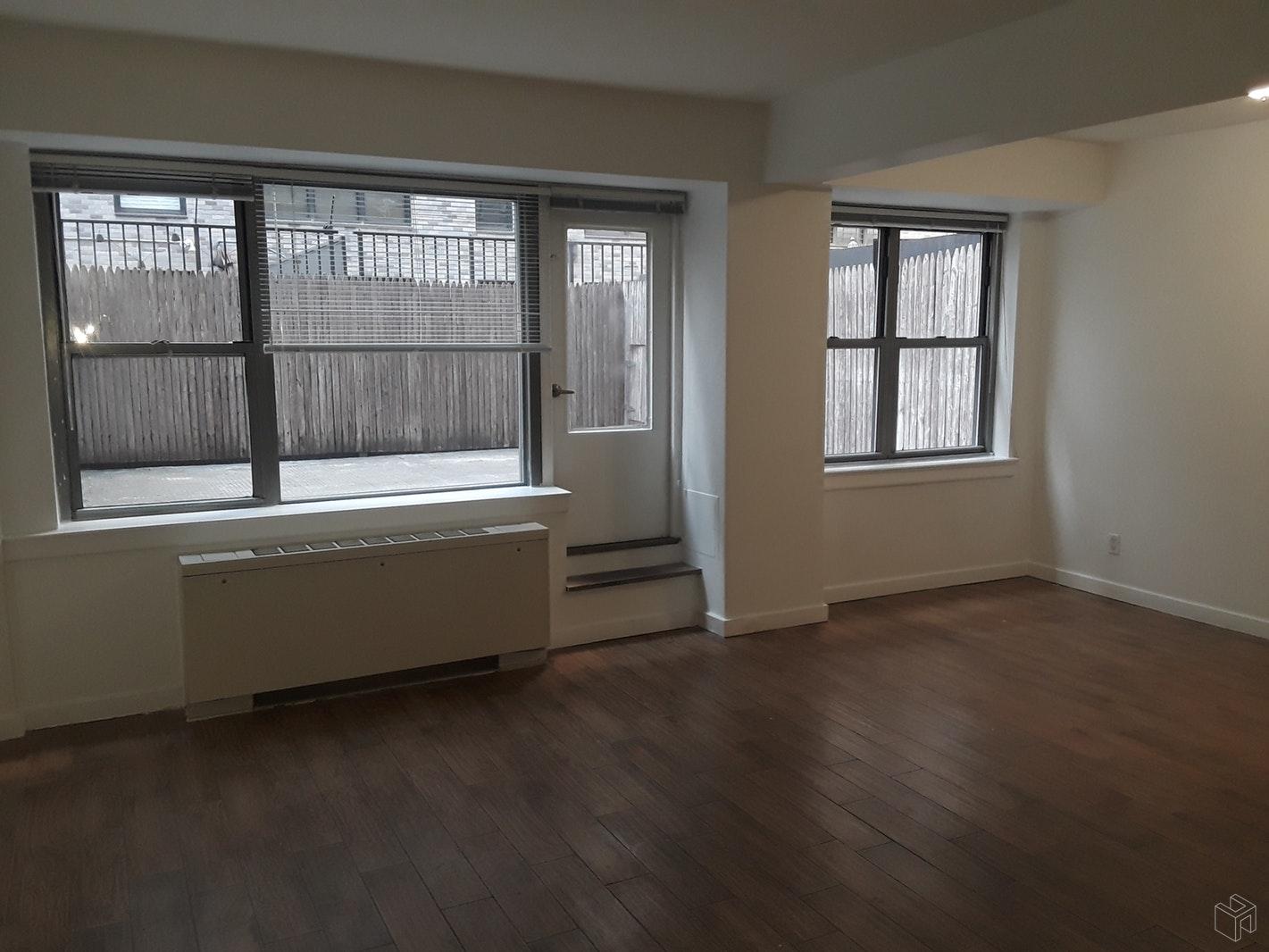 210 EAST 58TH STREET 2J, Midtown East, $3,050, Web #: 19405715