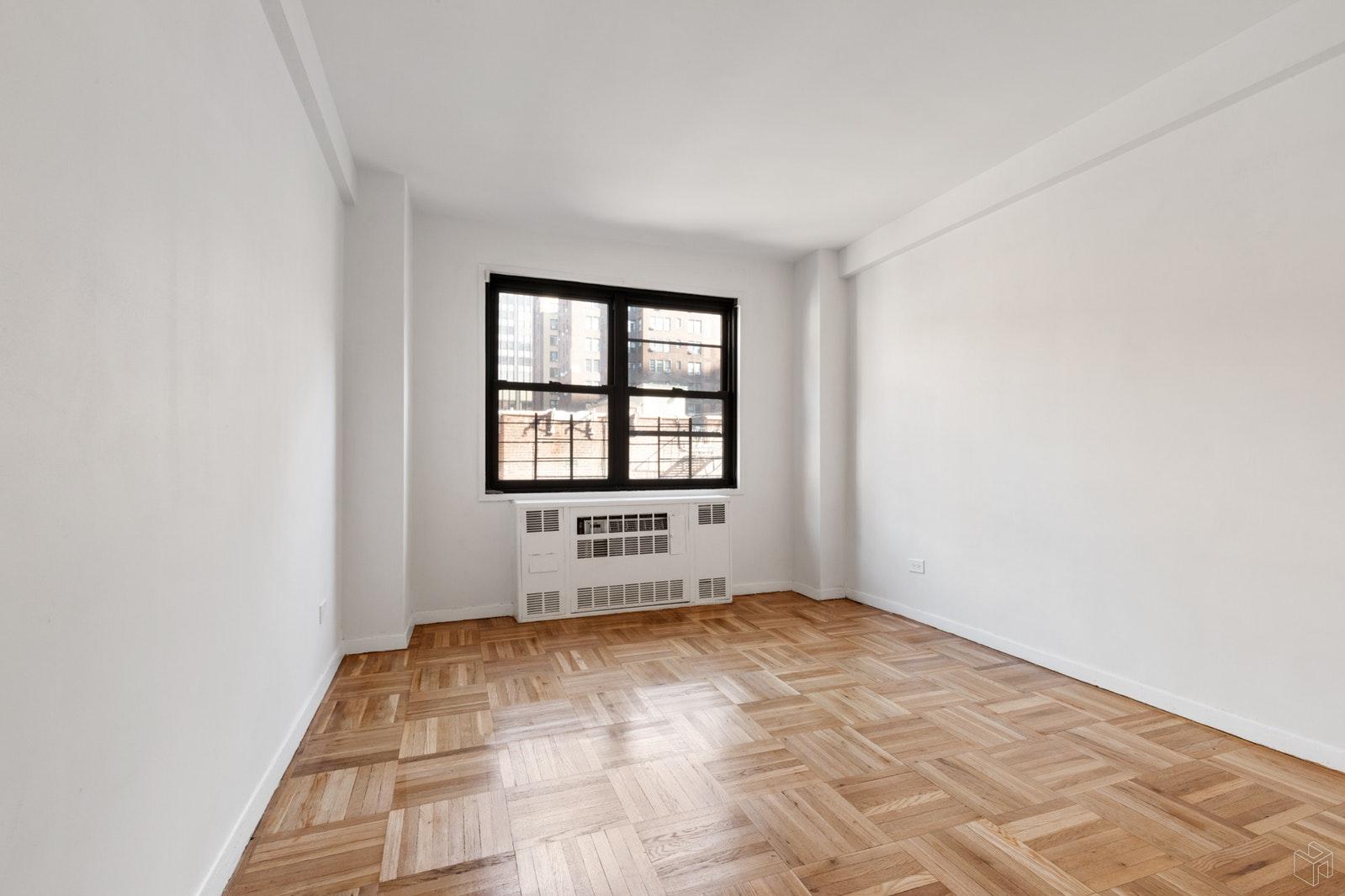 347 EAST 53RD STREET 6B, Midtown East, $795,000, Web #: 19409554