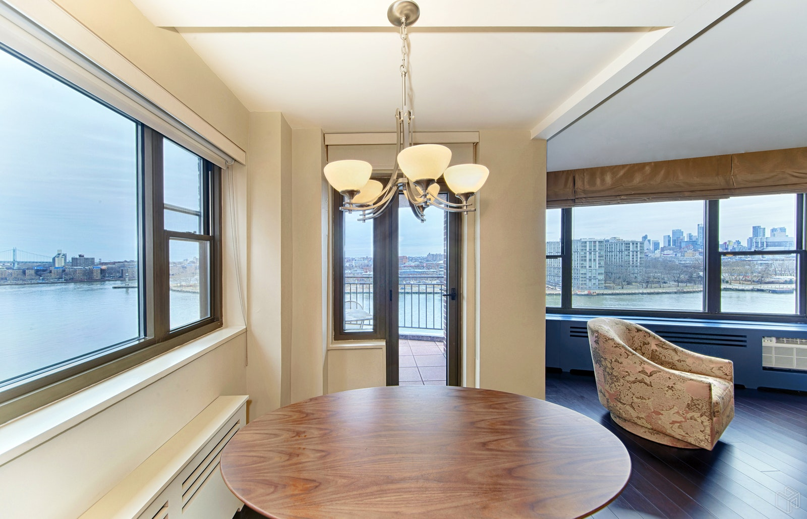 55 EAST END AVENUE 8D, Upper East Side, $1,625,000, Web #: 19424382