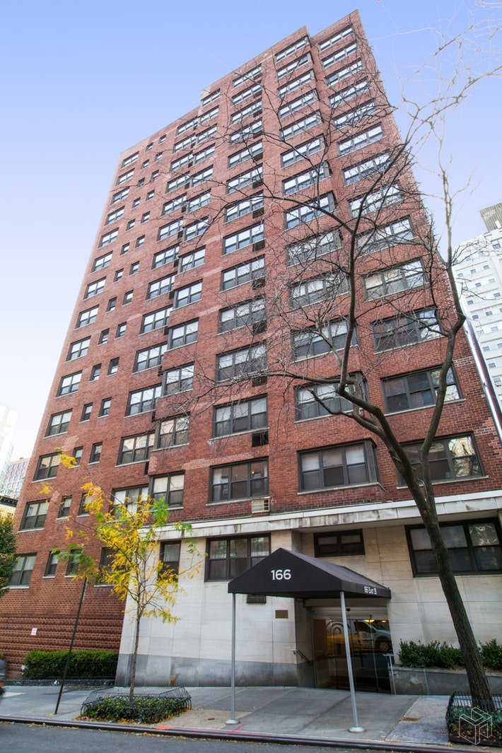 166 EAST 35TH STREET 8A, Midtown East, $379,000, Web #: 19432952