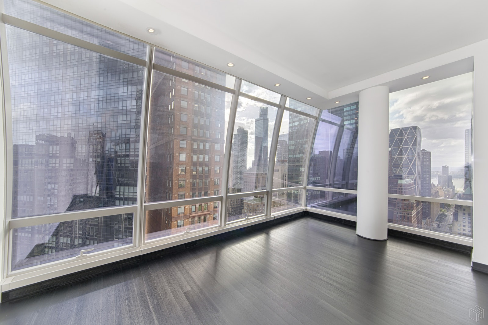 157 WEST 57TH STREET 39/E, Midtown West, $12,850, Web #: 19438472