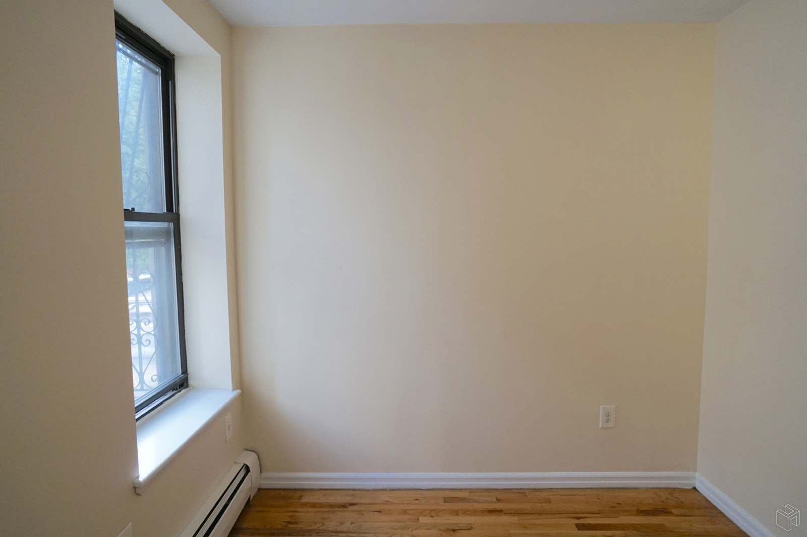 577 NOSTRAND AVENUE 3A, Crown Heights, $1,950, Web #: 19455495