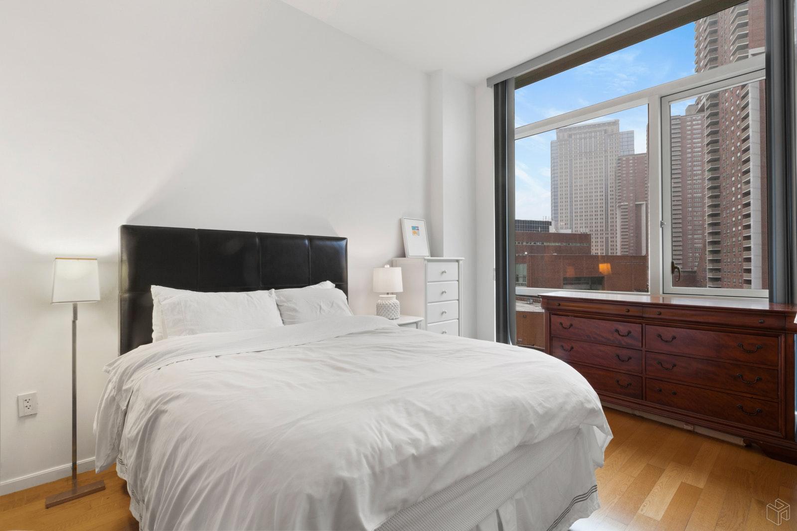 200 CHAMBERS STREET 6M, Tribeca, $4,500, Web #: 19475283