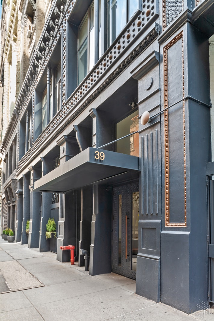 39 EAST 12TH STREET, Greenwich Village, $8,200, Web #: 19477756