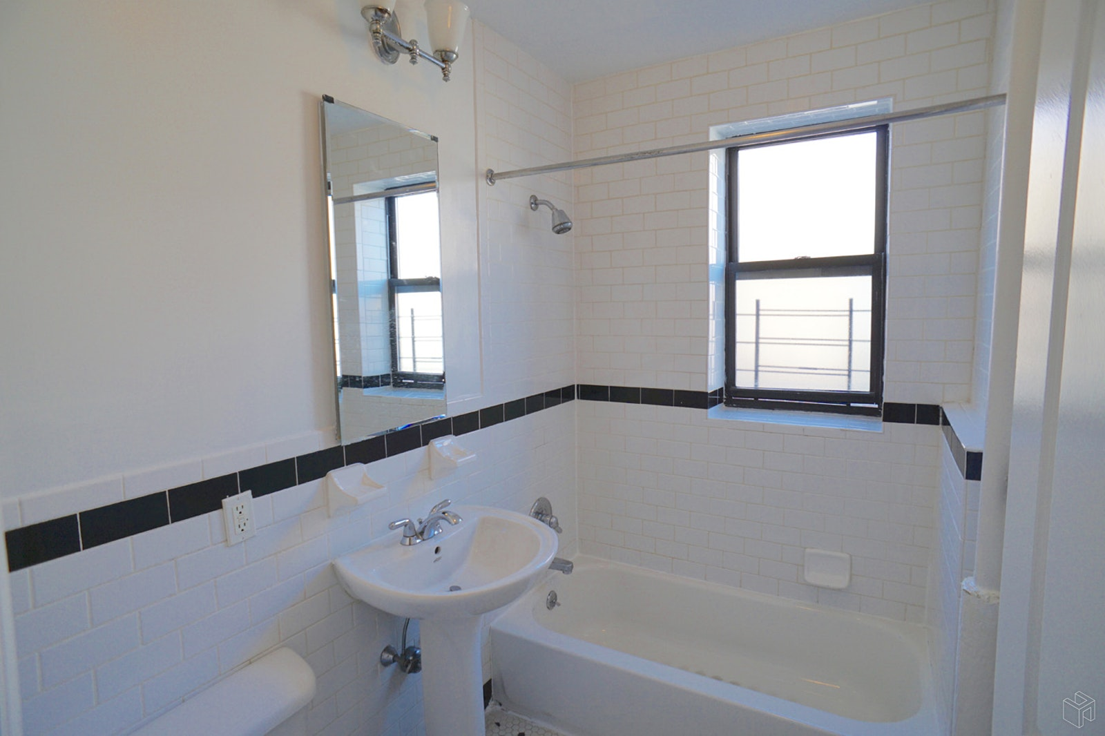 54 EAST 52ND STREET 3B, Brownsville, $1,750, Web #: 19482779