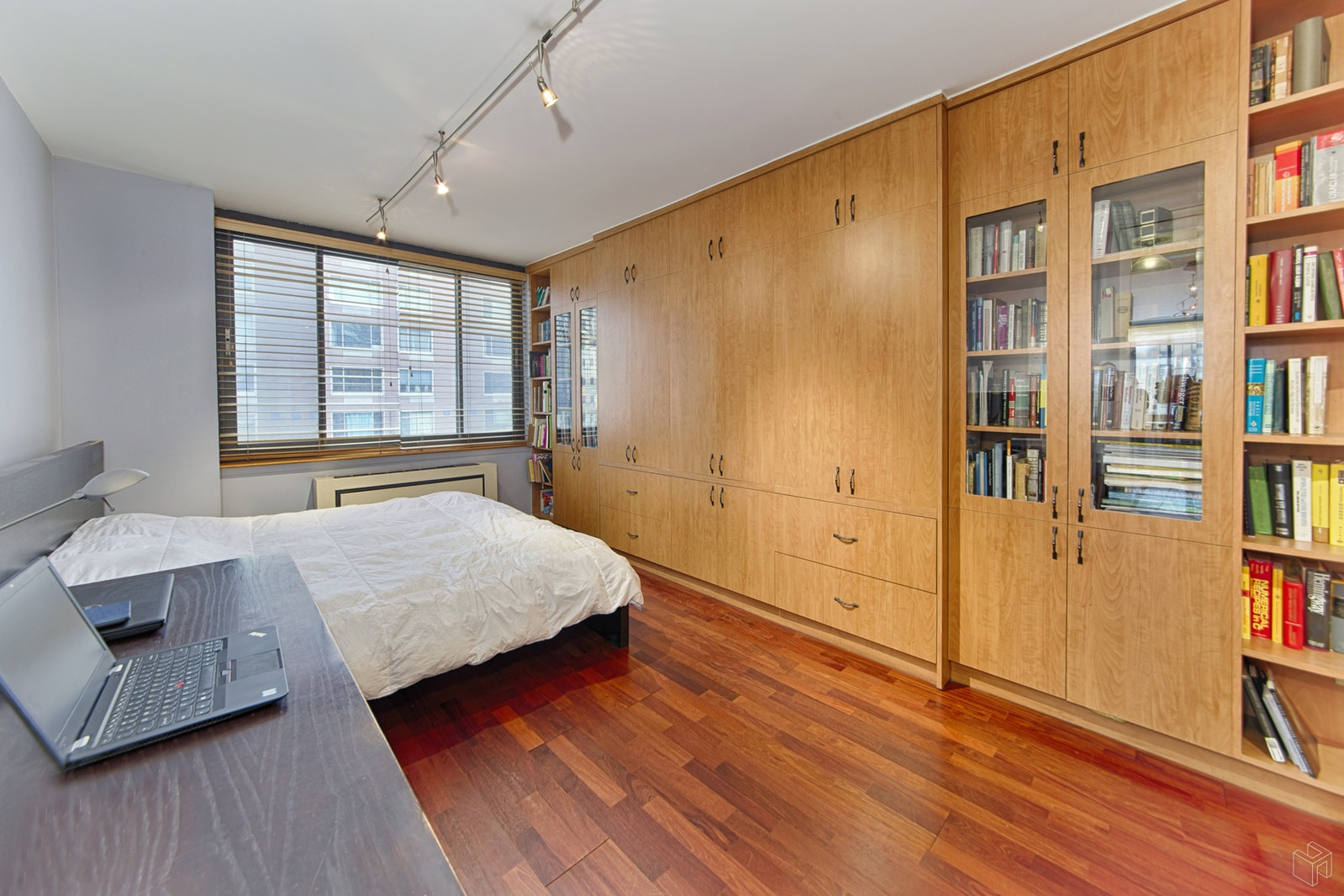 300 ALBANY STREET 8I, Battery Park City, $1,099,000, Web #: 19495539