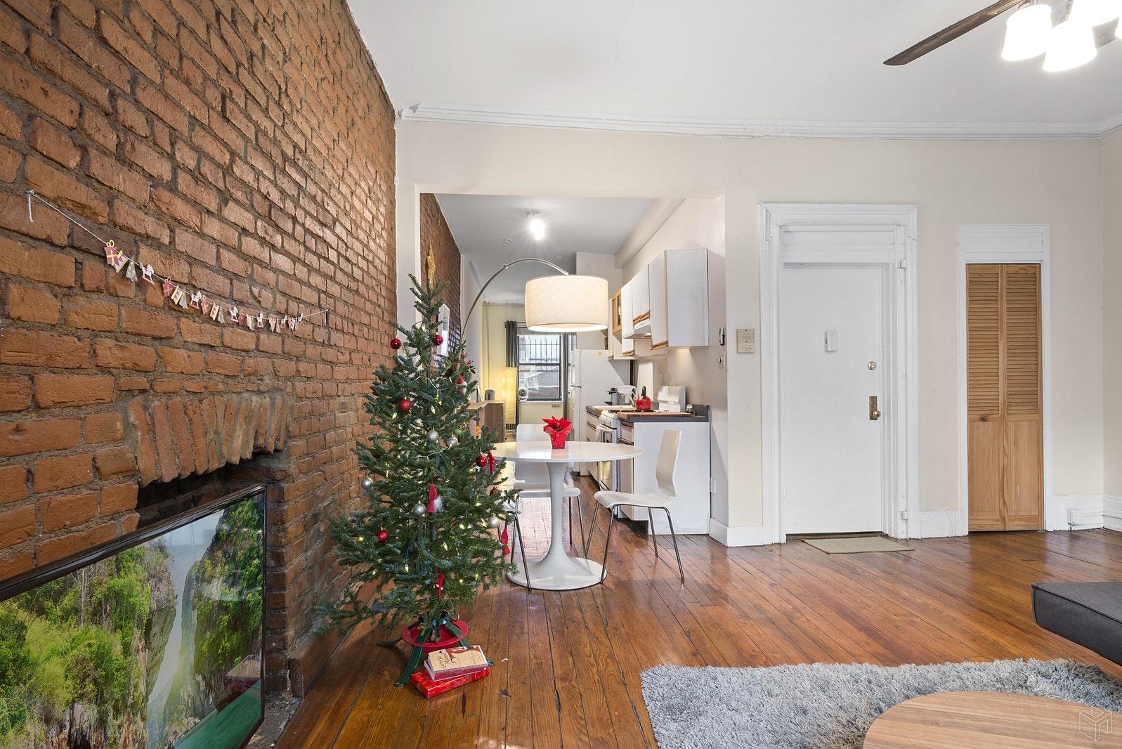 132 WEST 23RD STREET 3, Chelsea, $3,250, Web #: 19508033