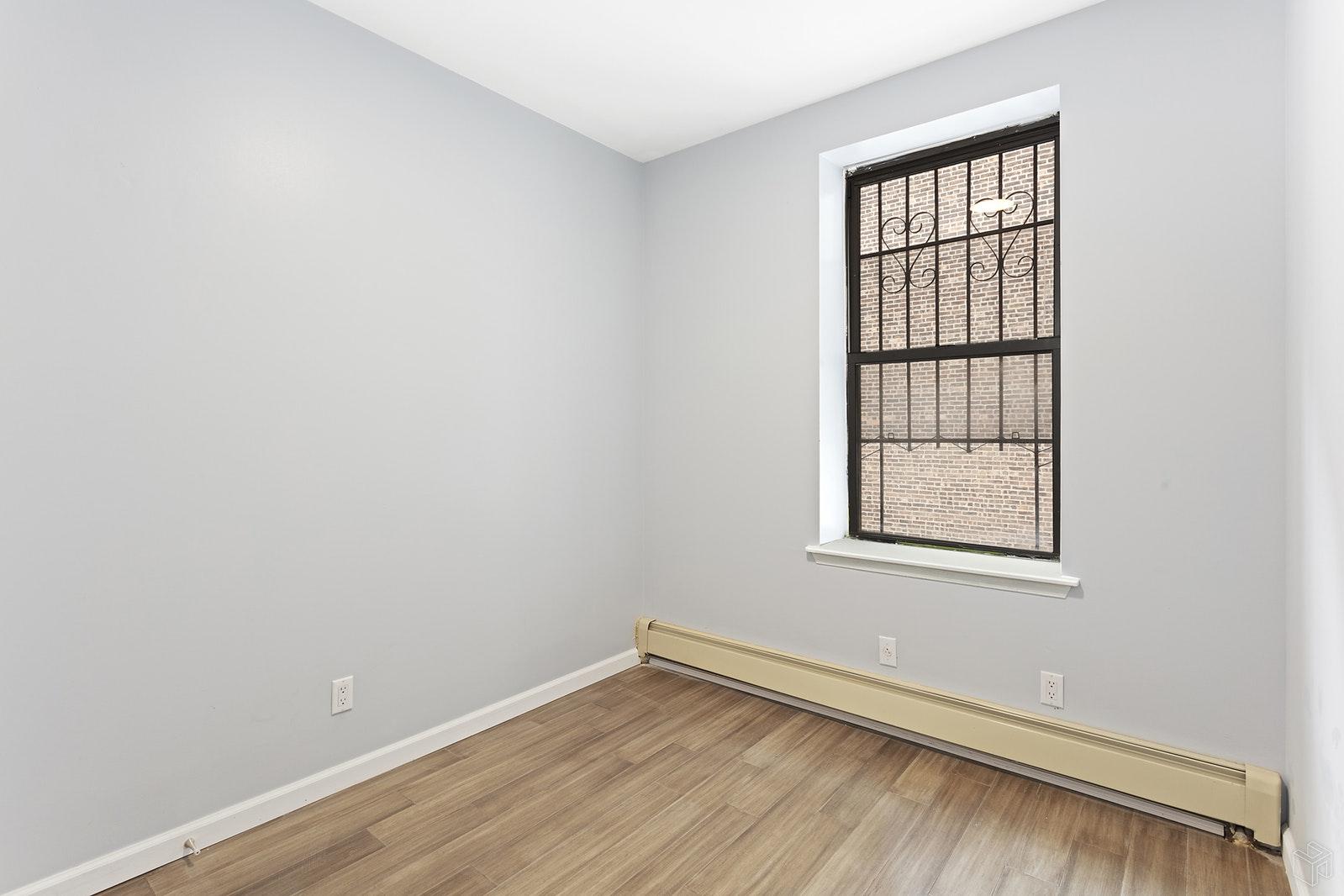 329 GRAND STREET 3, Lower East Side, $4,150, Web #: 19510520