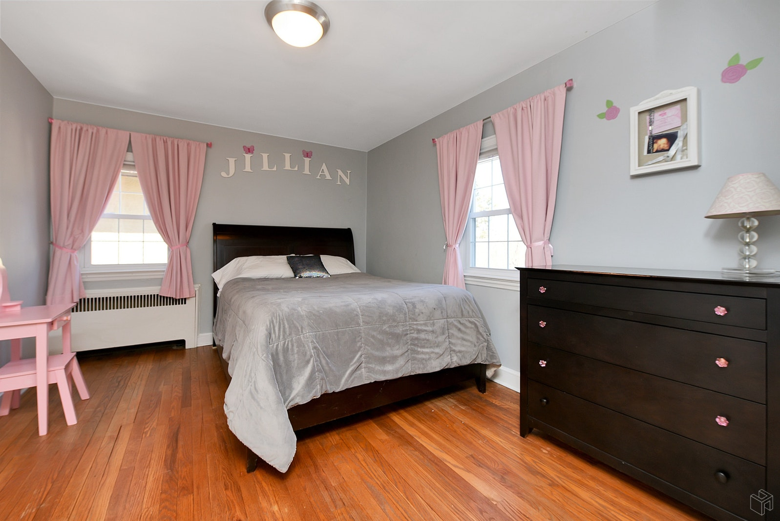 73 HAWTHORNE AVENUE, Bloomfield, $439,000, Web #: 19522824