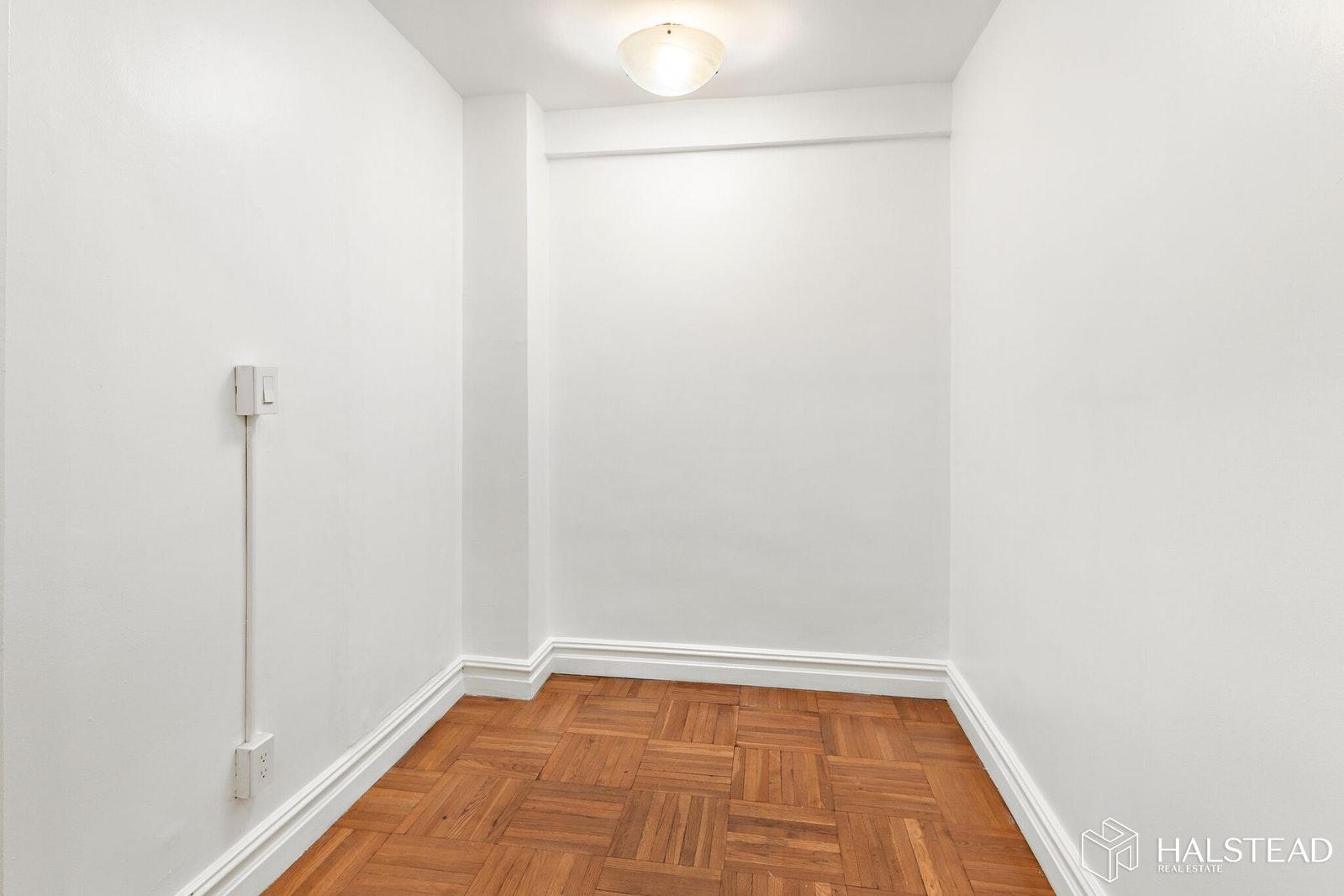 347 EAST 53RD STREET LD, Midtown East, $895,000, Web #: 19528218