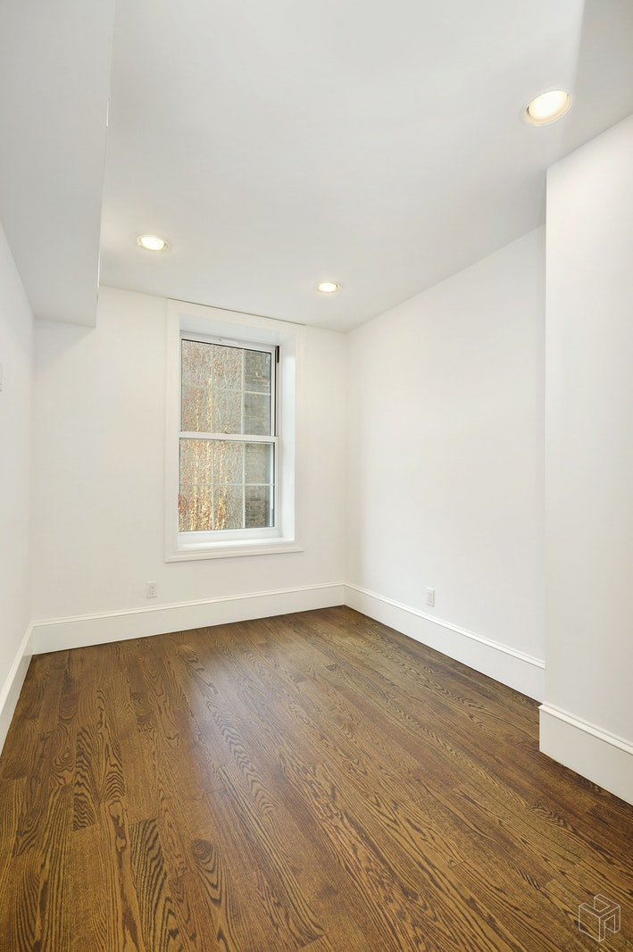 407 EAST 6TH STREET 3, East Village, $4,995, Web #: 19531577