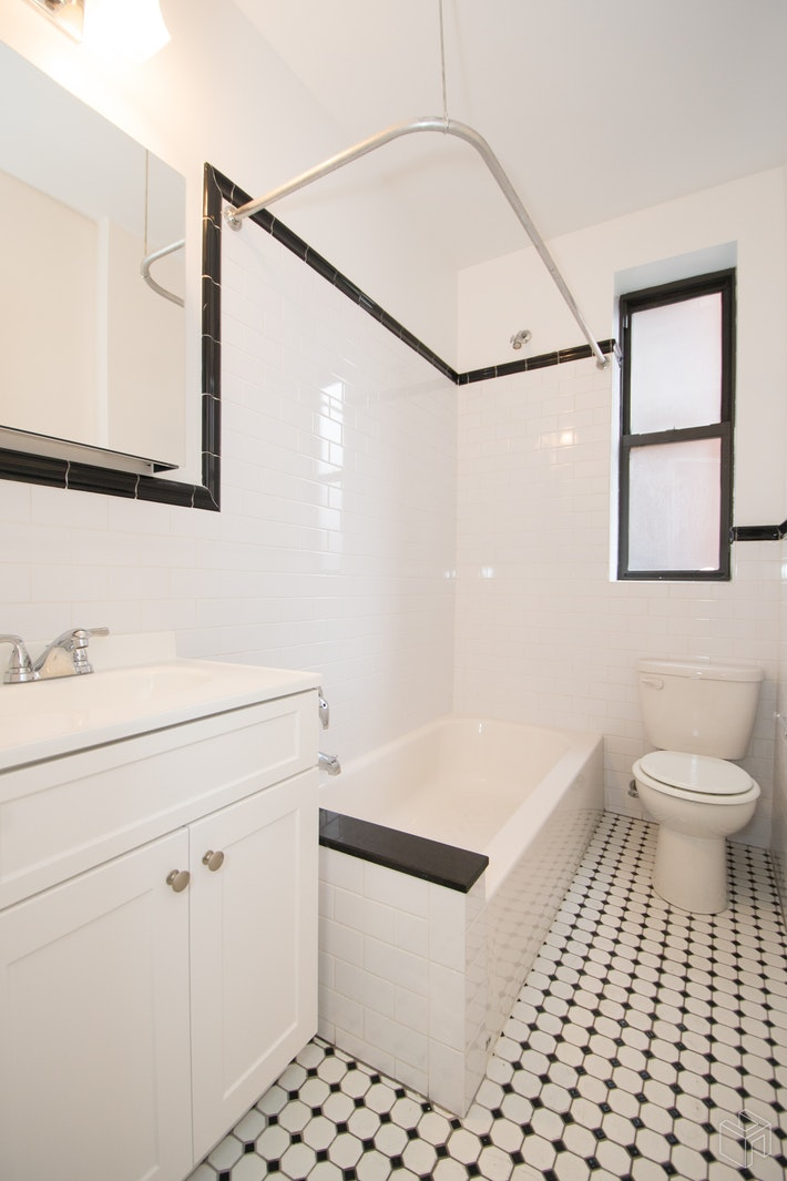 4580 BROADWAY, Washington Heights, $1,700, Web #: 19540198