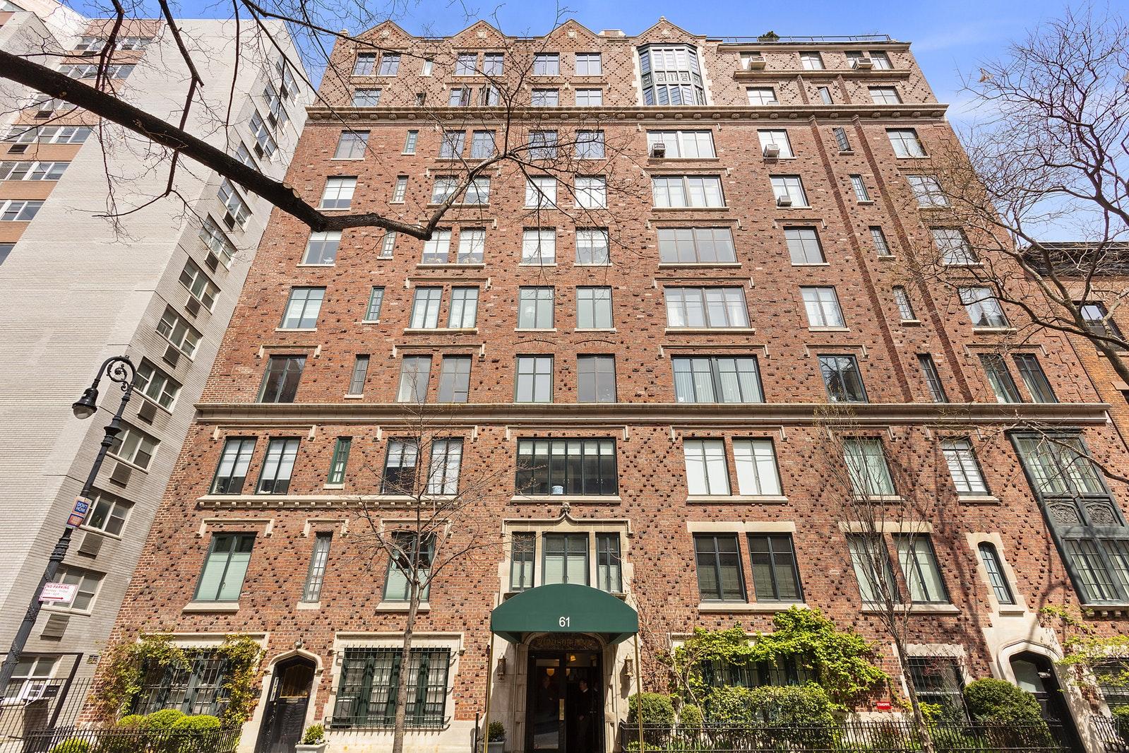 61 WEST 9TH STREET 4A, West Village, $2,200,000, Web #: 19564540