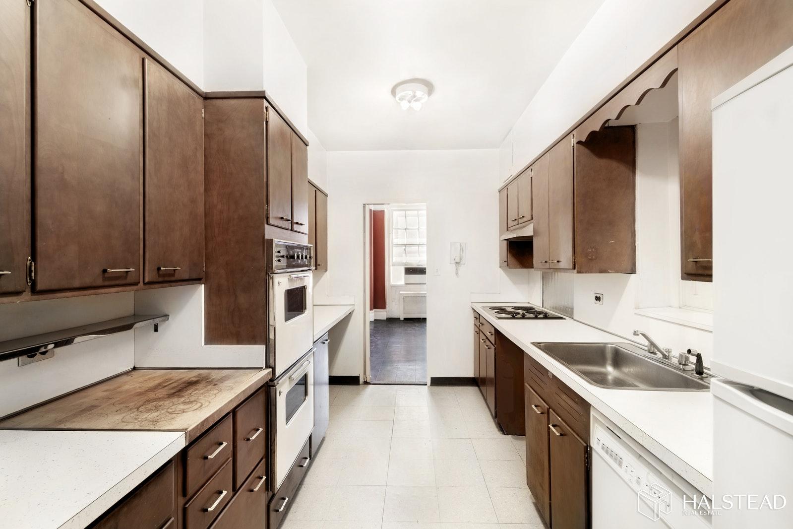 130 EAST 67TH STREET, Upper East Side, $1,796,000, Web #: 19569908