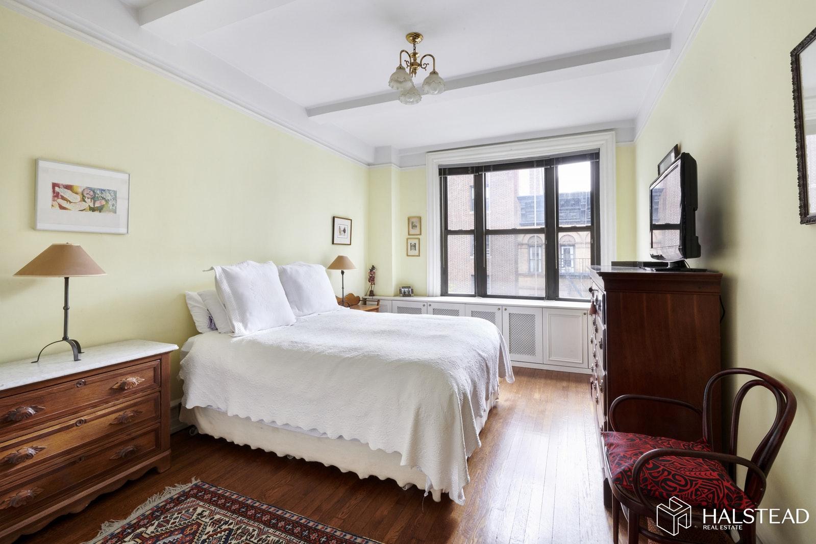 122 EAST 82ND STREET 6B, Upper East Side, $1,498,000, Web #: 19577994