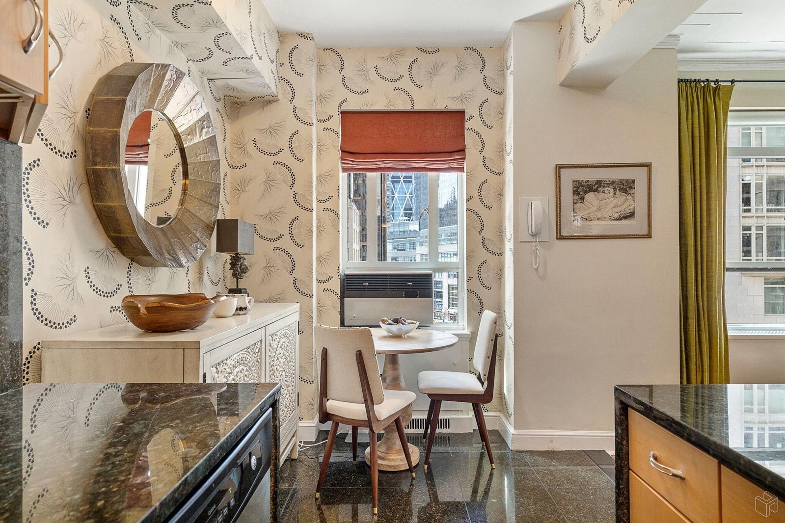 25 CENTRAL PARK WEST 9F, Upper West Side, $7,200, Web #: 19590217