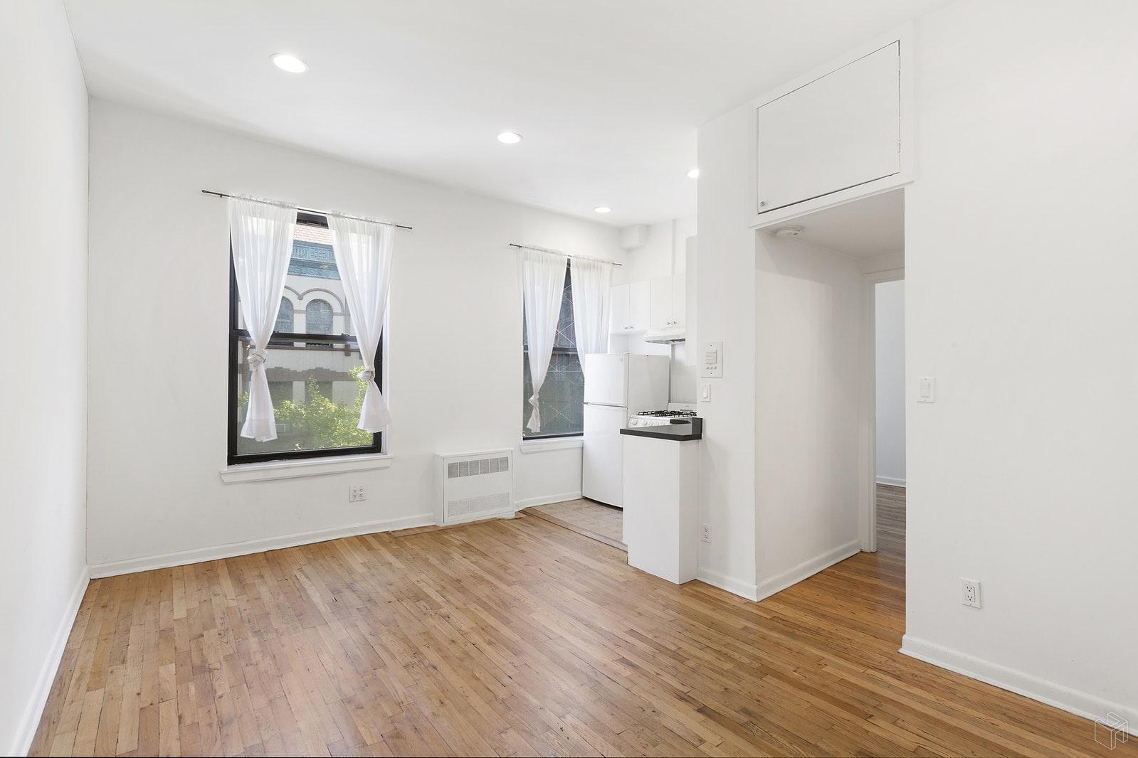 330 WEST 85TH STREET 3E, Upper West Side, $2,600, Web #: 19595634
