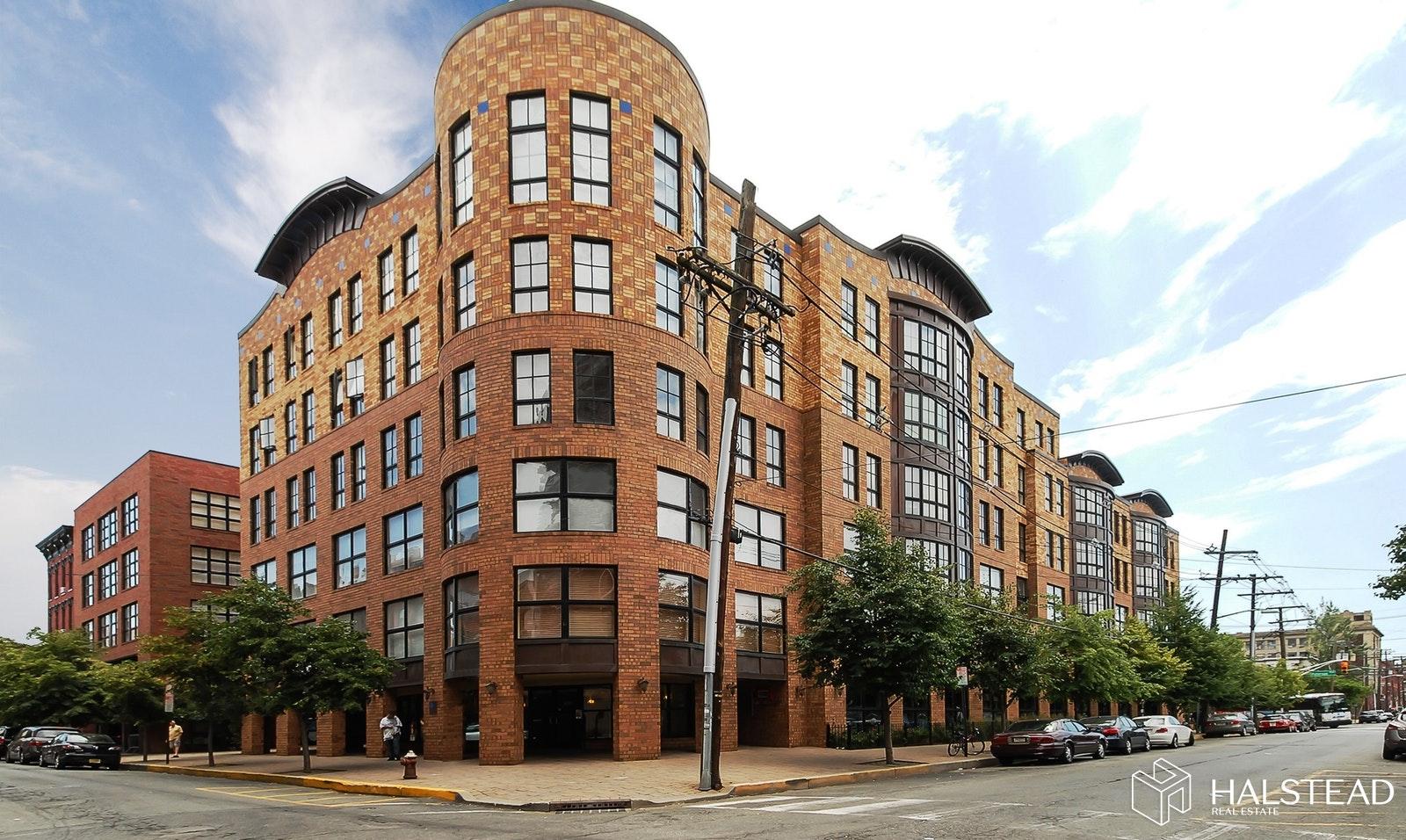 659 1ST ST 508, Hoboken, $879,000, Web #: 19601372