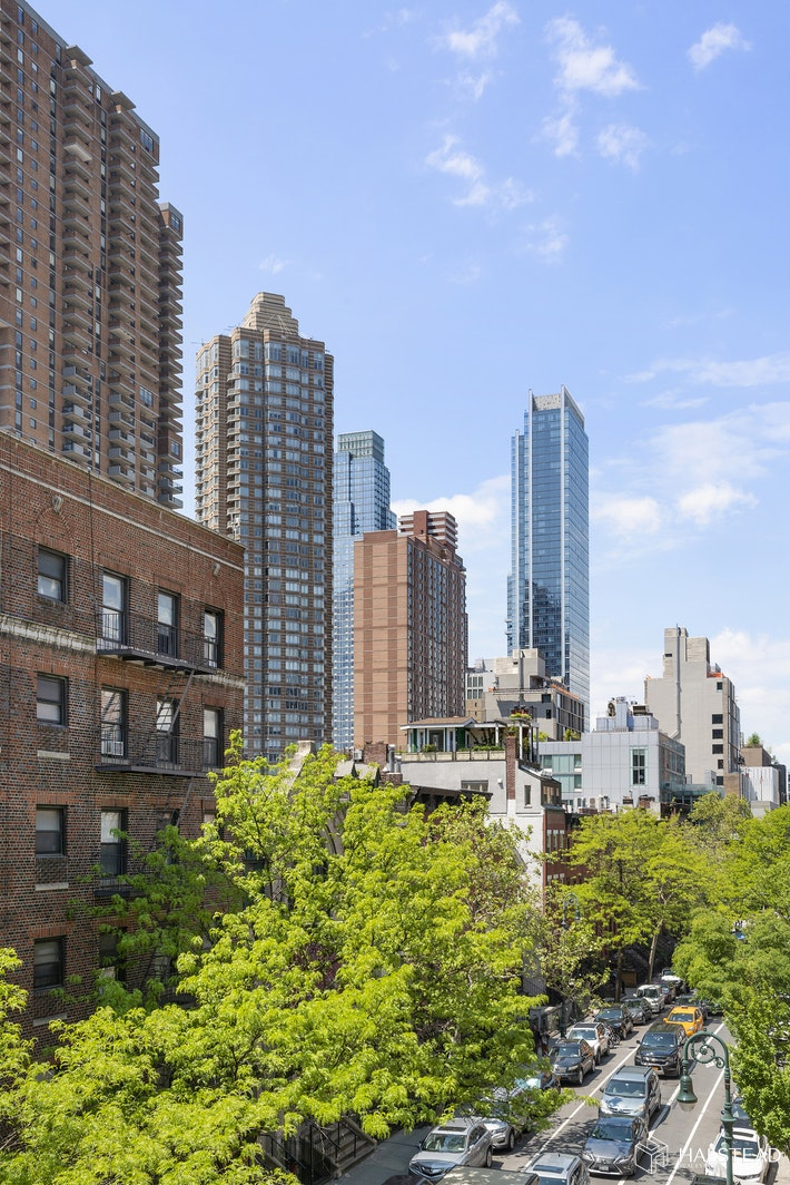 411 WEST 44TH STREET 21, Midtown West, $499,000, Web #: 19602293