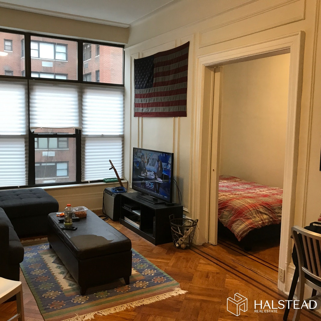 138 EAST 34TH STREET 3F, Midtown East, $2,195, Web #: 19610096