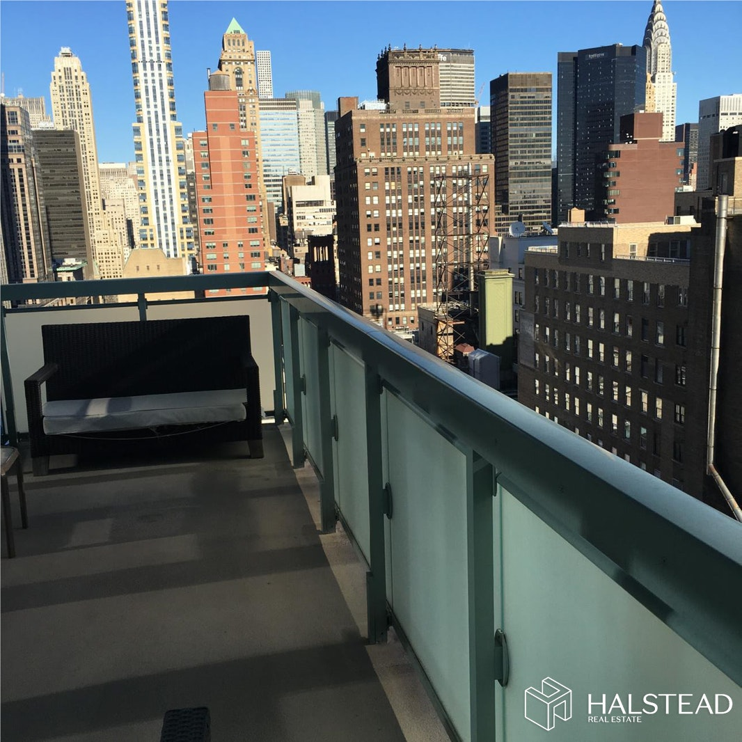 325 FIFTH AVENUE, Midtown East, $6,700, Web #: 19617086