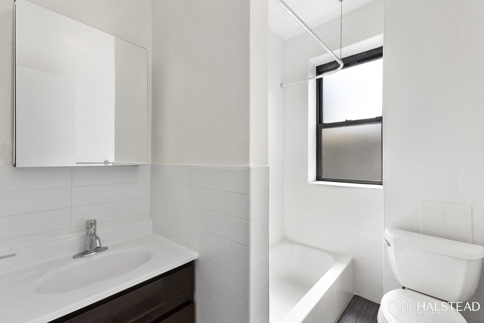 17 WEST 125TH STREET 5J, Harlem, $2,800, Web #: 19630358