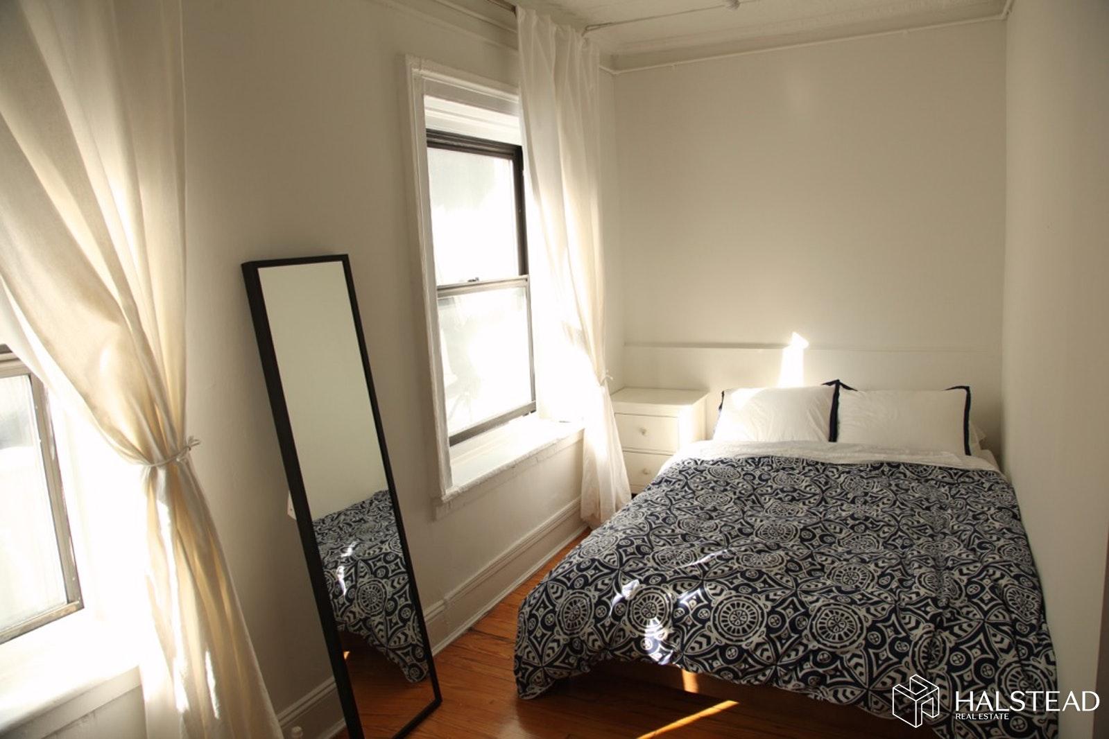 132 WEST 23RD STREET 4, Chelsea, $3,450, Web #: 19630507