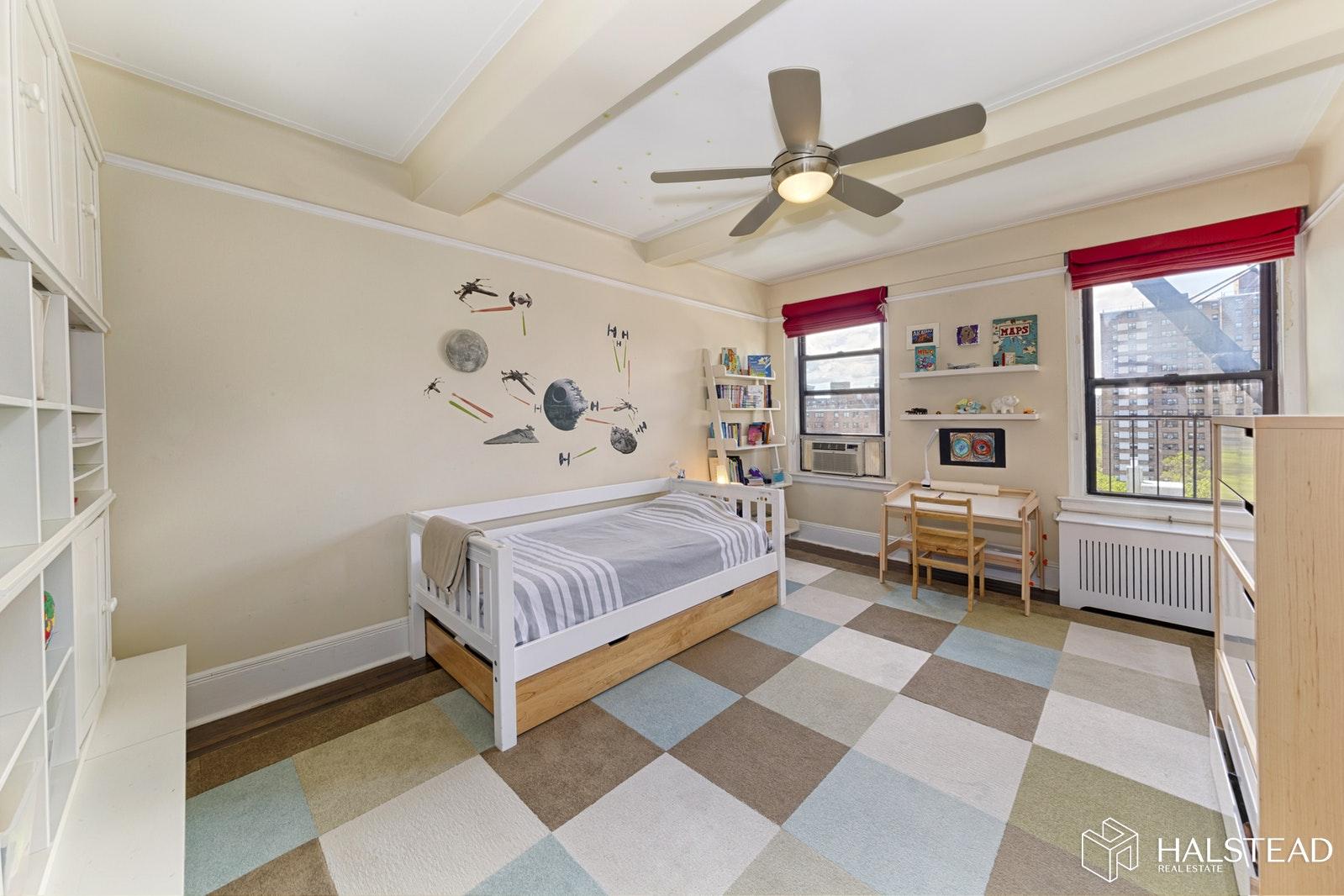 415 CENTRAL PARK WEST 12B, Upper West Side, $1,395,000, Web #: 19631506