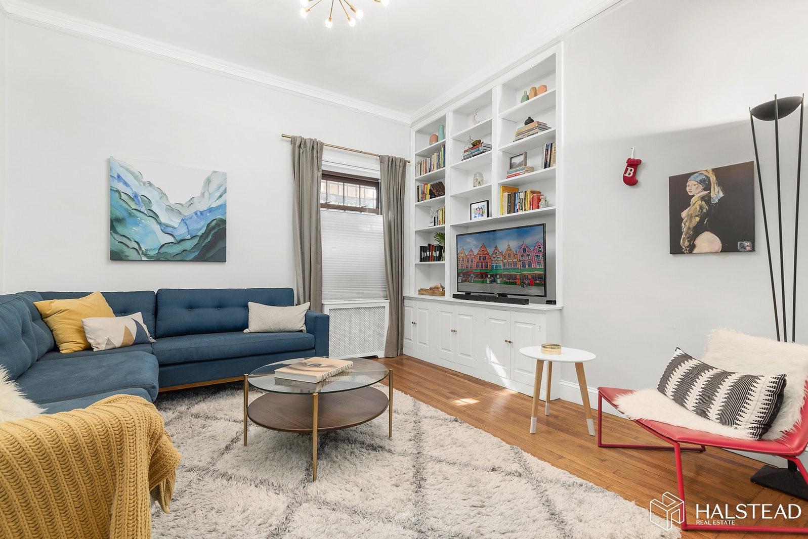 114 CLINTON STREET, Brooklyn Heights, $648,000, Web #: 19646836