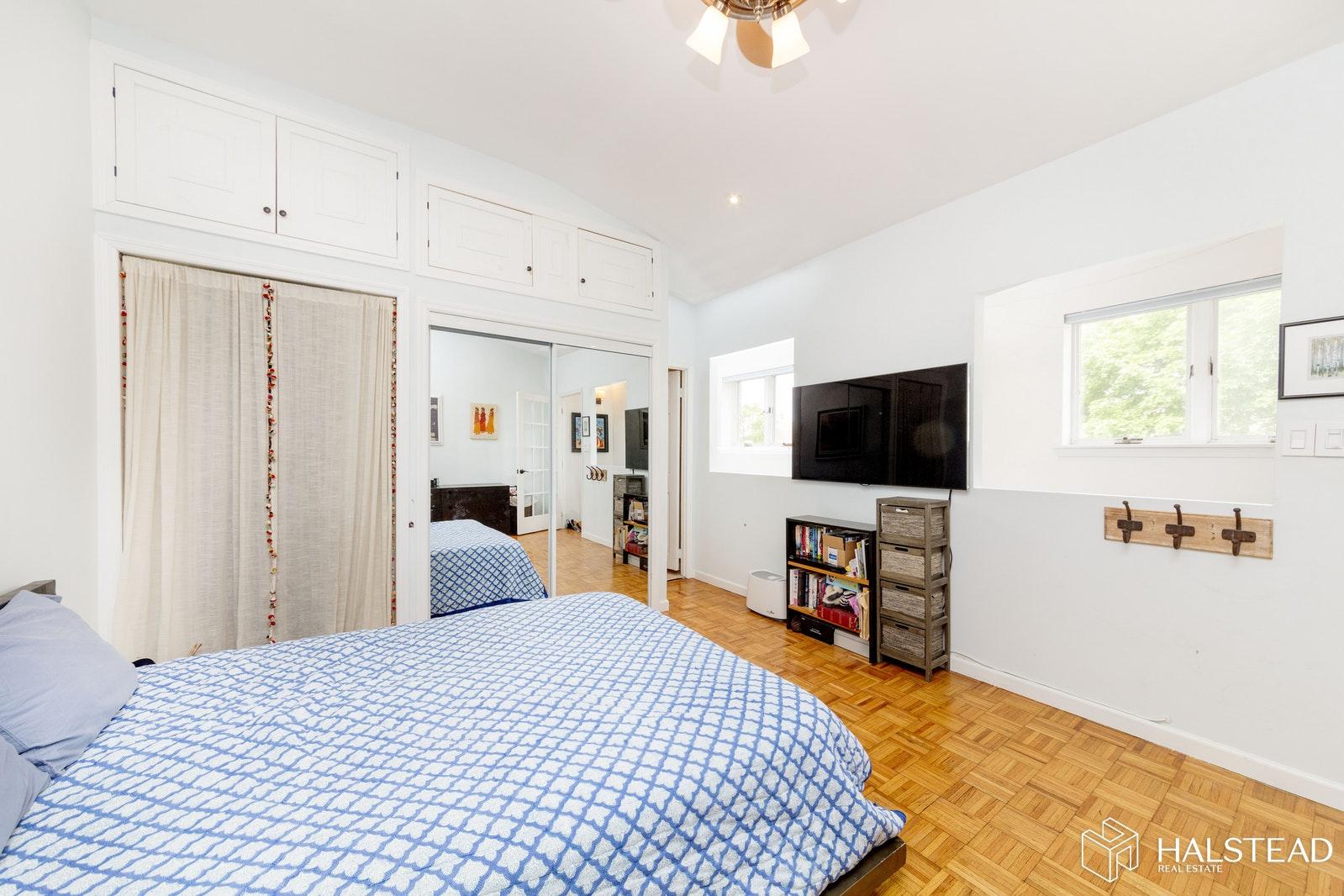 111 PROSPECT PARK SW 11, Windsor Terrace, $949,000, Web #: 19665586