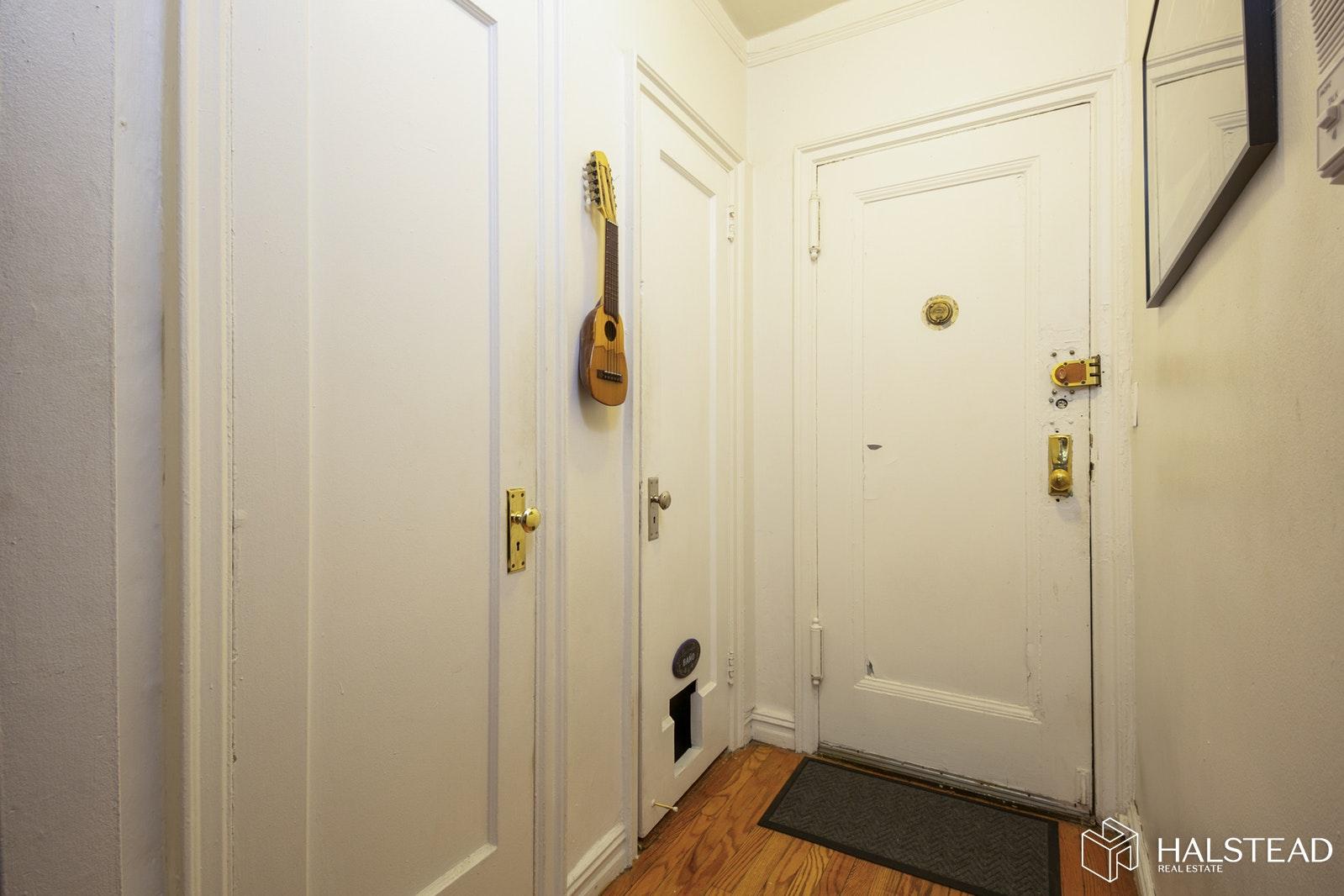 350 CABRINI BOULEVARD 2C, Washington Heights, $635,000, Web #: 19677502