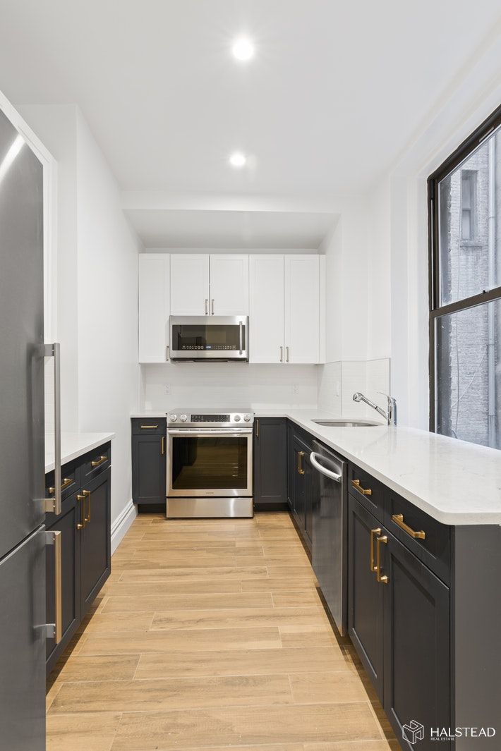 260 WEST 72ND STREET 1C, Upper West Side, $5,650, Web #: 19711711