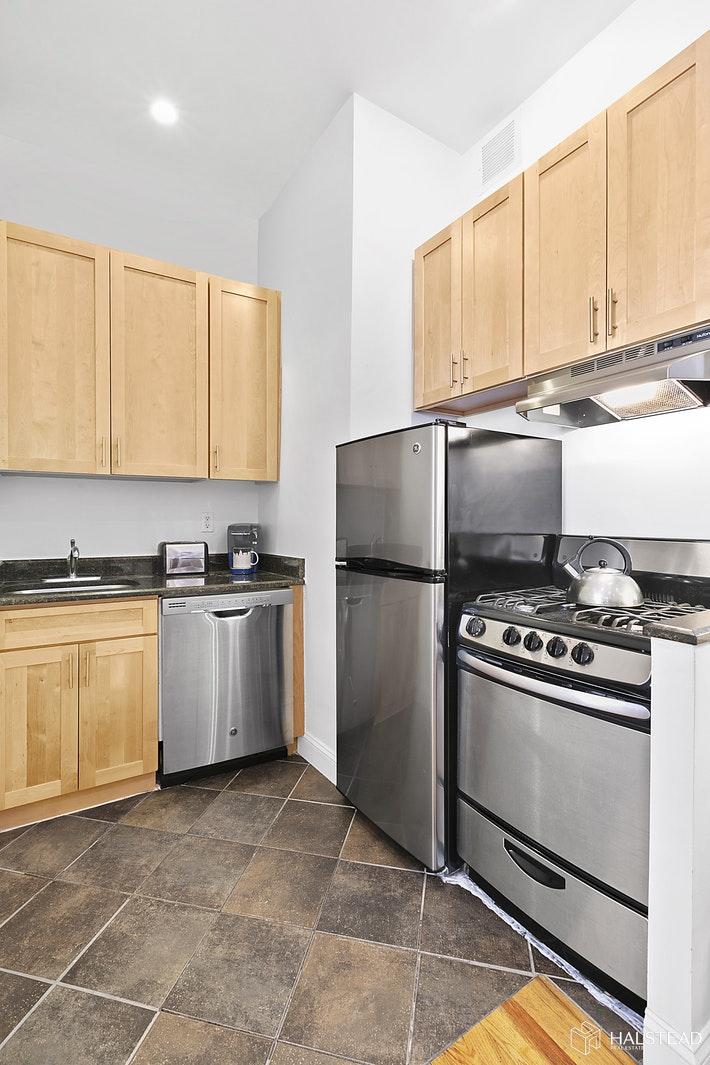 330 WEST 85TH STREET 6B, Upper West Side, $2,241, Web #: 19722355