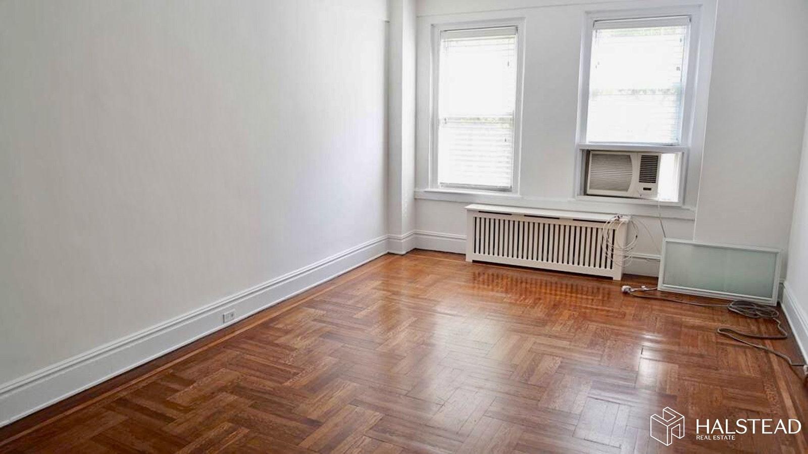 269 WEST 72ND STREET 3A, Upper West Side, $2,800, Web #: 19774971