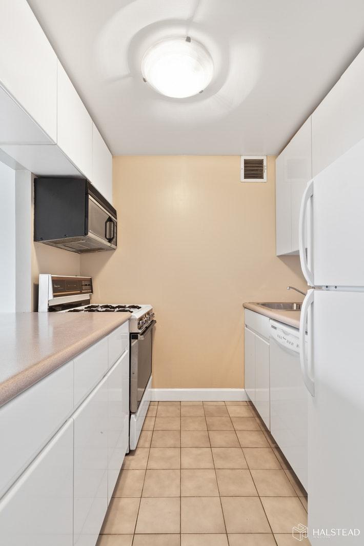 50 LEXINGTON AVENUE, Gramercy Park, $3,200, Web #: 19788903