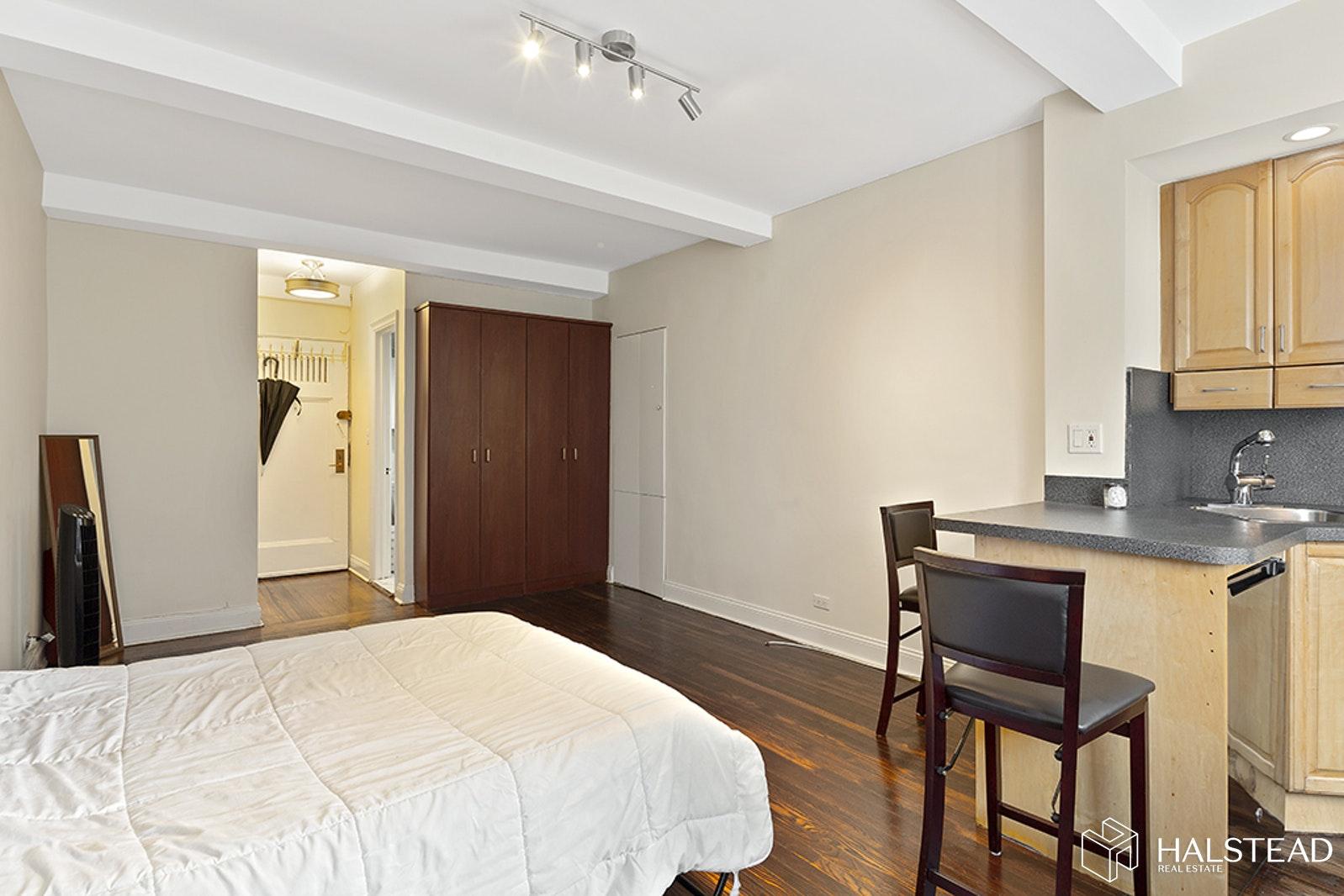 TUDOR CITY PLACE, Murray Hill Kips Bay, $330,000, Web #: 19804442